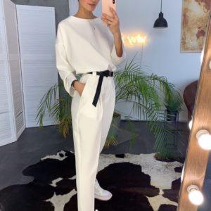 Заказать бежевый женский костюм с брюками с поясом в комплекте в Киеве