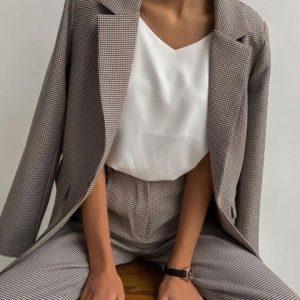 Приобрести женский шоколадный костюм-тройка: брюки+пиджак+майка (размер 42-48) со скидкой