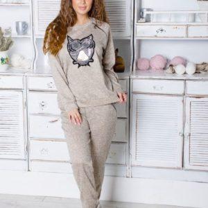 Заказать серо-бежевый женский прогулочный костюм из ангоры с нашивкой (размер 42-48) в Украине