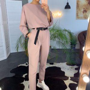 Заказать розовый женский костюм с брюками с поясом в комплекте во Львове