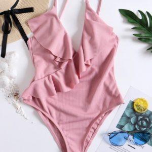 Приобрести женский нежный розовый купальник с рюшами дешево