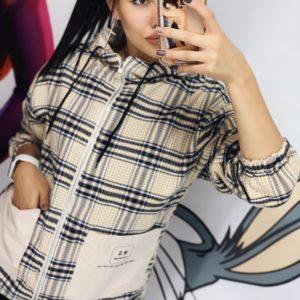 Заказать бежевую женскую двухстороннюю весеннюю куртку с карманами во Львове