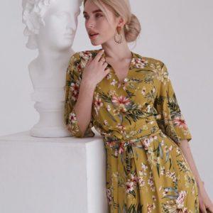 Заказать горчичное женское летнее платье на запах с v-образным декольте в Украине
