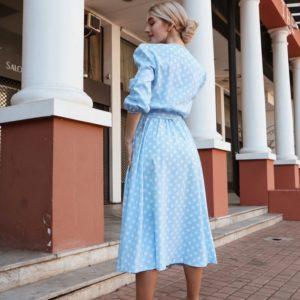 Приобрести голубое женское платье миди в горошек с рукавами-фонариками по доступным ценам