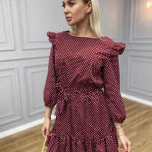 Приобрести на подарок бордовое женское платье в горошек на поясе с оборками на рукавах выгодно