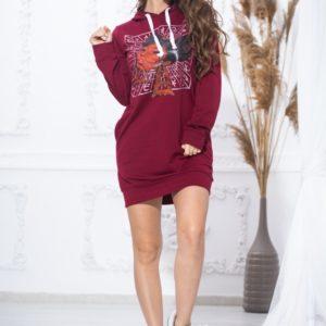Приобрести бордовую женскую тунику-худи с принтом (размер 44-54) со скидкой