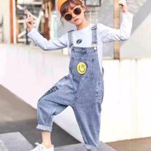 Купить детский голубой джинсовый комбинезон со смайликом недорого