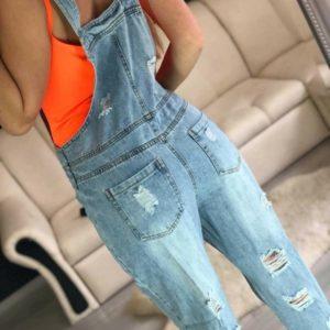 Заказать женский голубой укороченный джинсовый комбинезон с карманами в Украине