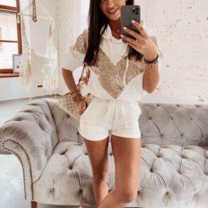 Купить белый женский костюм с шортами со вставками из пайеток (размер 42-56) в Украине