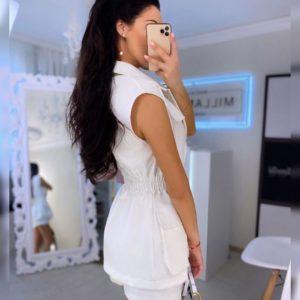 Приобрести белый женский костюм: шорты и жилетка (размер 42-52) в интернете