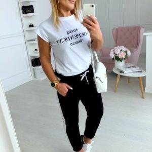 Приобрести женский спортивный костюм: футболка + штаны с лампасами черно-белый недорого