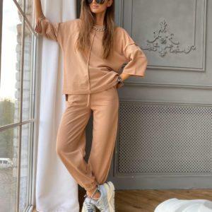 Приобрести женский трикотажный костюм: штаны + кофта кэмел по специальной цене