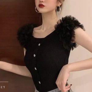 Заказать черную женскую нежную кофту с пышными рукавами-фонариками в Украине