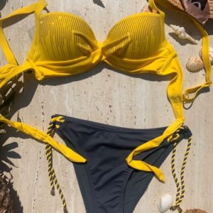 Купить желтый женский двухцветный купальник с камнями на канатах хорошего качества