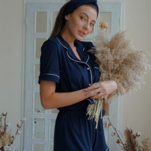 Заказать синюю женскую пижаму с шортами из трикотажа с повязкой в комплекте (размер 42-52) в Днепре