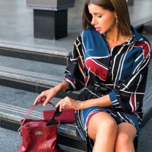 Купить красно-синее женское платье - рубашка оверсайз с поясом дешево