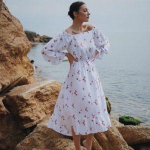 Купить женское белое платье с принтом вишенки с поясом (размер 42-52) хорошего качества дешево