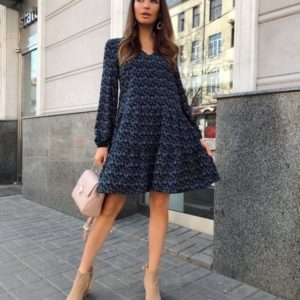 Заказать синее женское платье свободного кроя с цветочным принтом недорого