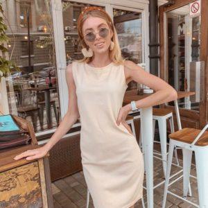 Заказать женское лаконичное платье с круглым вырезом из рибана бежевое дешево