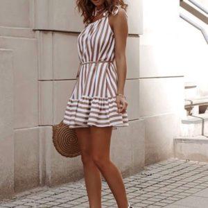 Купить женское бежево-белое полосатое платье с воланом на завязках в интернет-магазине