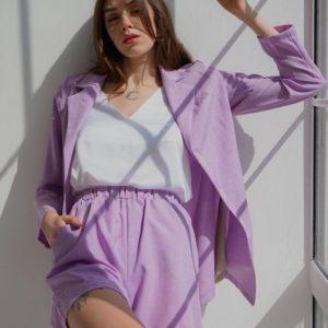 Купить лиловый женский льняной костюм: удлиненный пиджак с шортами (размер 42-52) в Одессе