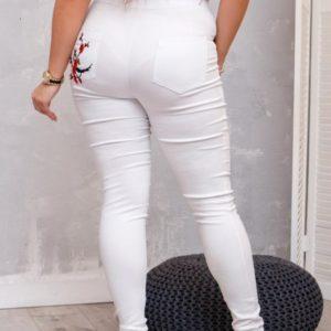 Приобрести женские белые джинсы на высокой посадке с вышивкой (размер 48-62) выгодно