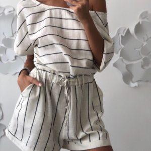 Купити білий жіночий лляний комбінезон з шортами в смужку вигідно
