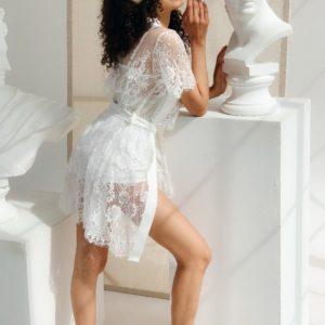 Заказать женский кружевной белый комплект тройка: халат, майка и шорты (размер 42-48) по скидке