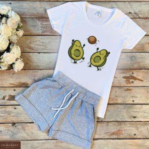 Заказать белый/серый женский трикотажный костюм: шорты+футболка с принтом авокадо недорого