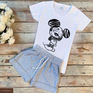 Приобрести белый/серый женский трикотажный костюм: шорты+футболка с принтом Микки Маус в интернете