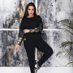 Приобрести черный женский прогулочный костюм с пайетками и вставками из эко кожи (размер 50-64) выгодно