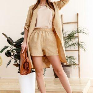 Заказать беж женский летний костюм тройка: шорты, майка и кардиган (размер 42-58) в интернете