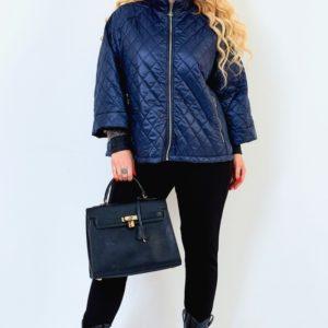 Приобрести синюю женскую стеганую куртку на синтепоне со свободными рукавами (размер 50-64) недорого