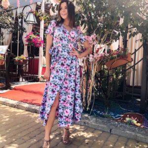 Заказать голубое/розовое женское яркое платье на запах с цветочным принтом в Украине