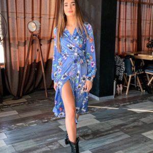Приобрести голубое женское цветочное платье на запах с длинным рукавом выгодно