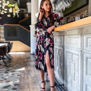 Приобрести черное женское стильное платье на запах с поясом из шелка в Харькове