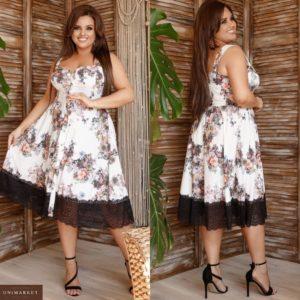 Купить молочное женское летнее платье миди в цветочный принт с кружевом (размер 48-62) выгодно