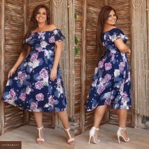 Заказать синее женское принтованное платье миди с открытыми плечами (размер 48-62) в Украине