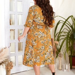 Заказать янтарное женское принтованное платье миди с V-образным вырезом (размер 42-56) недорого