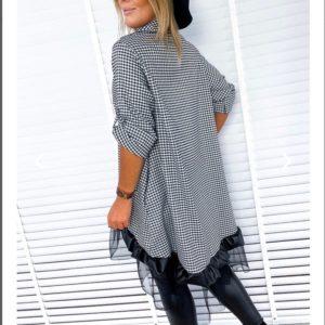 Приобрести черно-белую женскую удлиненную рубашку-тунику в клетку с сеткой (размер 48-54) дешево