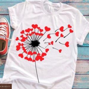 Заказать белую женскую футболку с принтом одуванчик с сердцем, пазлами выгодно