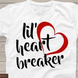 Приобрести белую женскую принтованную футболку в любовной тематике онлайн