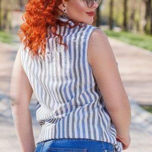 Придбати блакитну жіночу сорочку без рукавів в вертикальну смужку з льону (розмір 50-56) по знижці