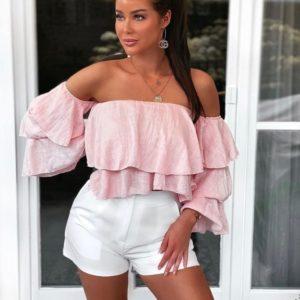 Купить розовую блузку на лето с рюшами из жатки с открытыми плечами женскую выгодно