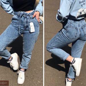 Заказать женские голубые джинсы Mom с необработанным краем с поясом (размер 42-50) в Украине
