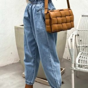 Заказать голубые женские джинсы слоучи на резинке (размер 26-32) по скидке