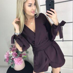 Купить женский комбинезон с шортами и открытыми длинными рукавами цвета марсала по низким ценам