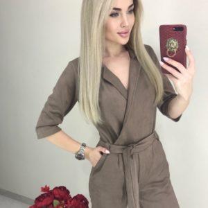 Купити кольору мокко комбінезон жіночий на запах з рукавом 3/4 з замші онлайн