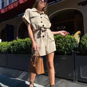 Купить бежевого цвета Комбинезон на пуговицах из жатки с поясом (размер 42-48) для женщин онлайн