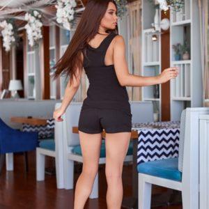Купити жіночий спортивний костюм off з майкою чорного кольору і короткими шортами дешево